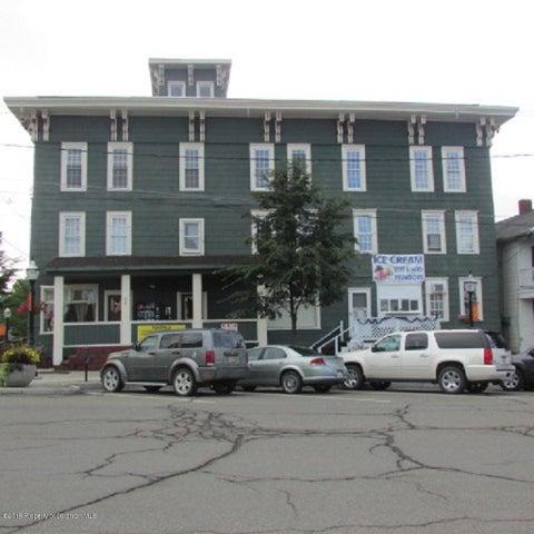 82 Public Ave, Montrose, PA 18801