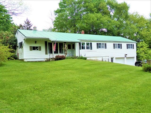 5313 Quaker Lake Rd, Brackney, PA 18812