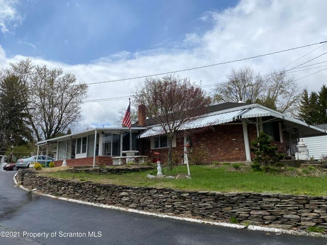 1144 Franklin St, Old Forge, PA 18518