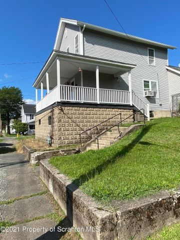 550 Jefferson Ave, Jermyn, PA 18433