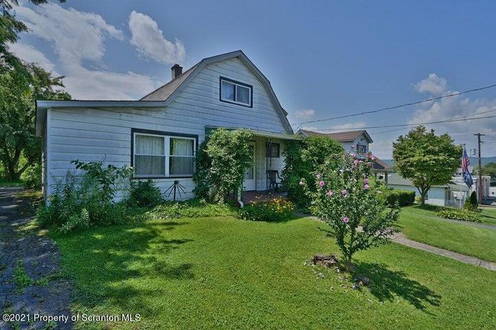 520 Rocky Glen Rd, Avoca, PA 18641