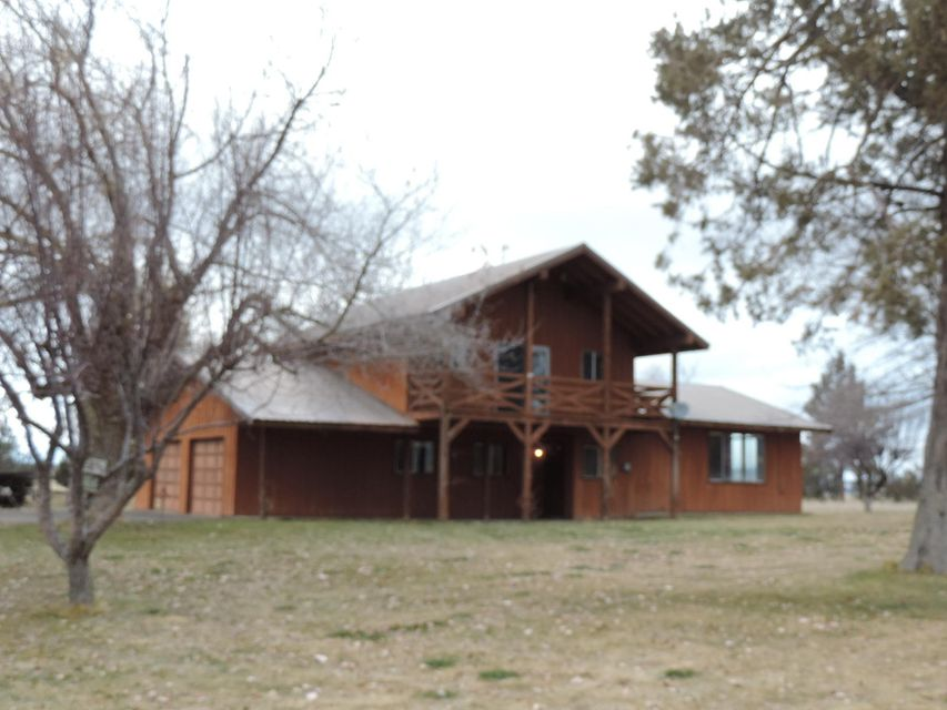 881 County Rd. 90 Gouger Neck, Lookout, CA 96054