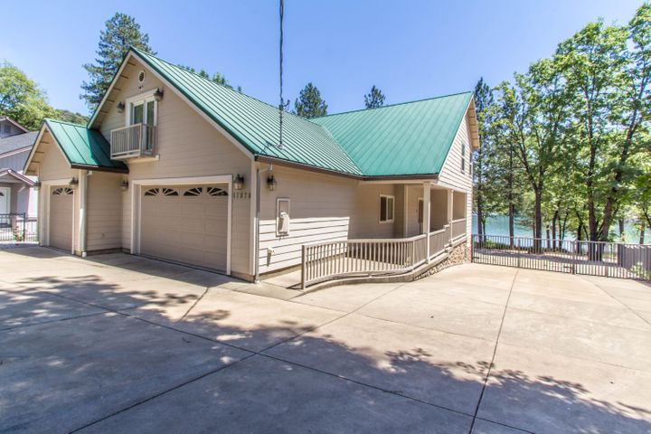 17878 Lake Dr, Lakehead, CA 96051