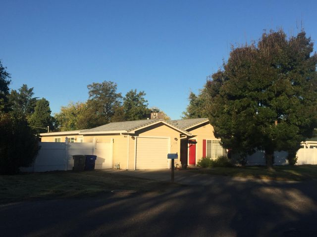 135 Gilmore Rd, Red Bluff, CA 96080-3509