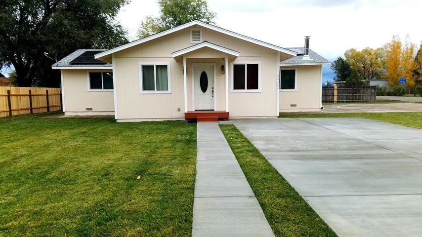 26482 Grove St, Mcarthur, CA 96056