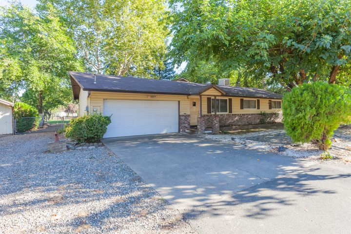 19377 Millicent St, Anderson, CA 96007