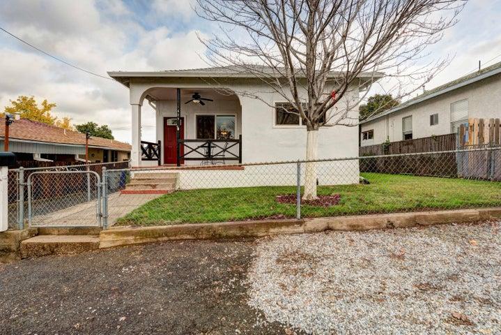 1625 Walnut Ave, Redding, CA 96001
