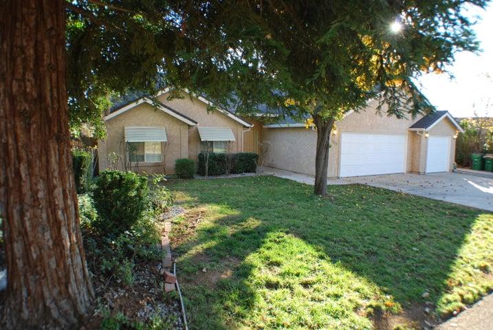 3100 Dartford Dr, Shasta Lake, CA 96019