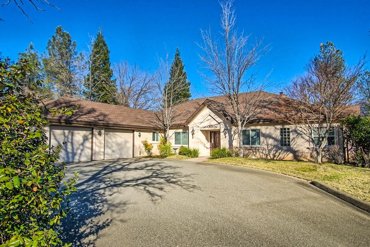 15850 Texas Springs Rd, Redding, CA 96001