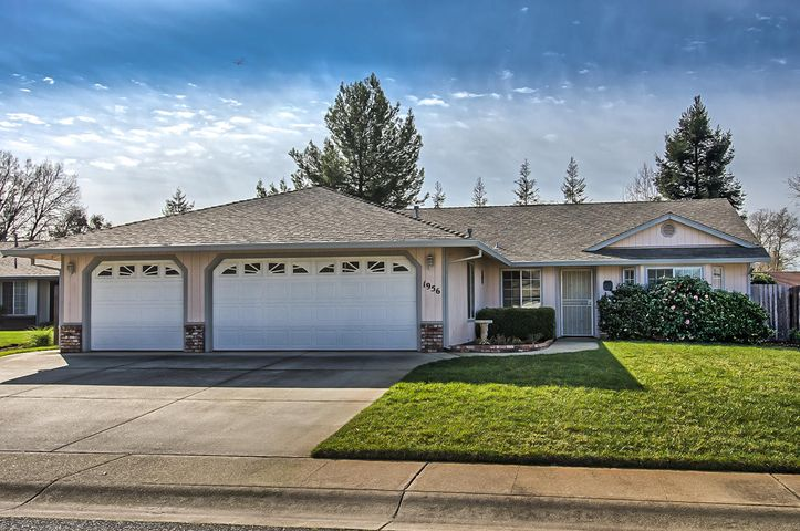 1956 Catherine Way, Redding, CA 96002