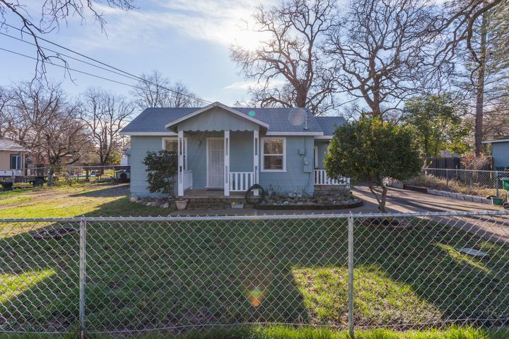 1755 MILL ST, REDDING, CA 96007