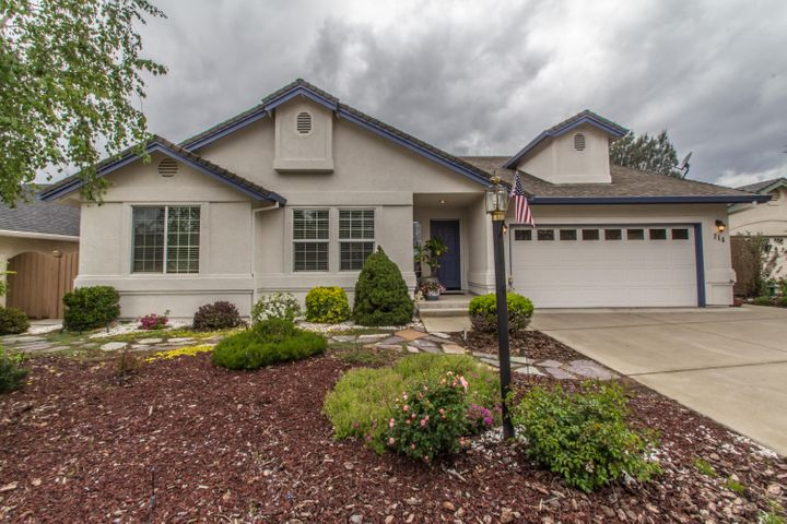 214 Franciscan Trl, Redding, CA 96003