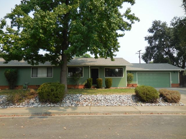 6855 Irving Rd, Redding, CA 96001