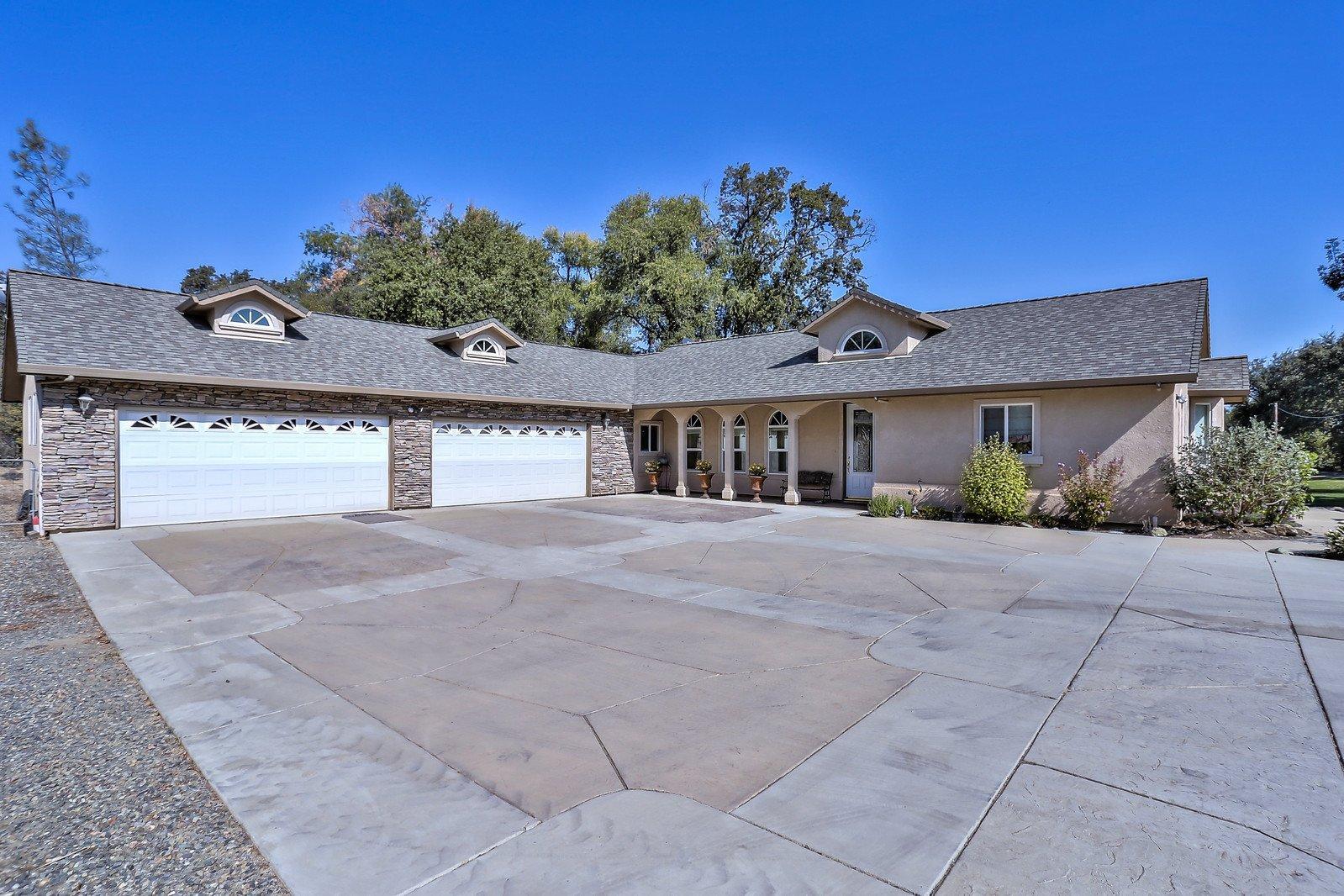 6633 Eastside Rd, Anderson, CA 96007
