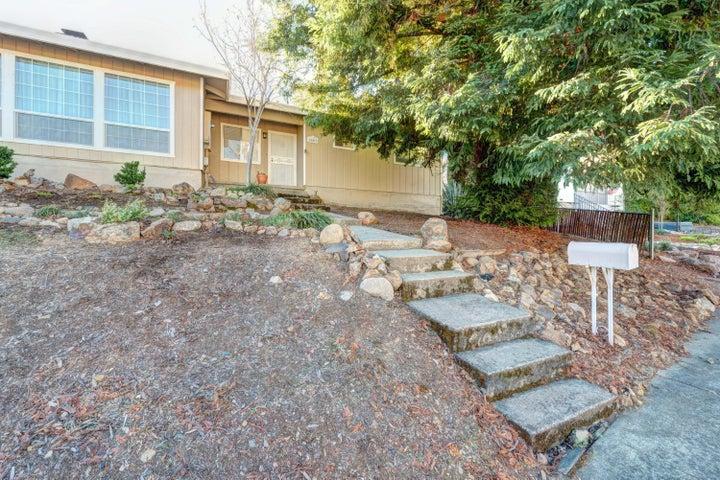 2603 Shasta St, Redding, CA 96001
