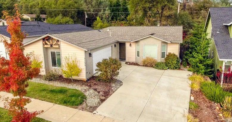 3256 Bridgewater Ct, Redding, CA 96003