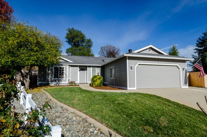 4648 Kenmare Ct, Redding, CA 96001