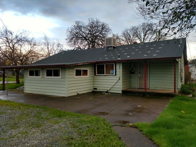 2621 Irwin Rd, Redding, CA 96002