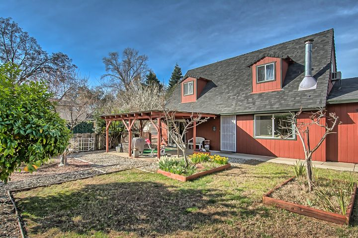 1795 Lazelle Ct, Redding, CA 96002