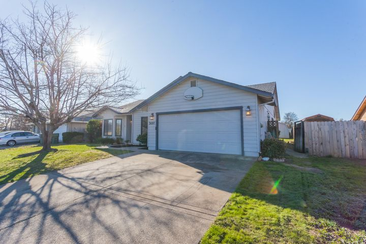 3697 Magnums Way, Redding, CA 96003