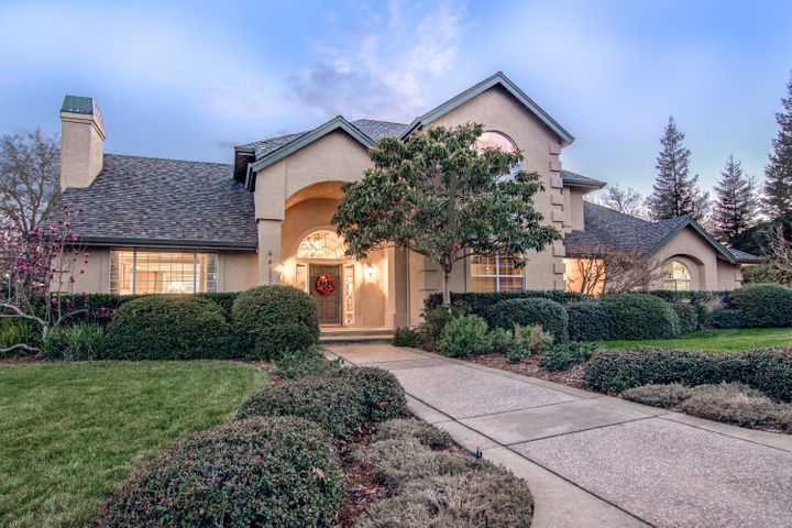 3524 Stone Ridge Pl, Redding, CA 96001