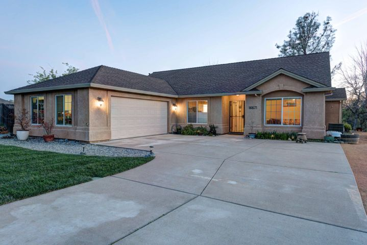 16671 Power Line Rd, Redding, CA 96001