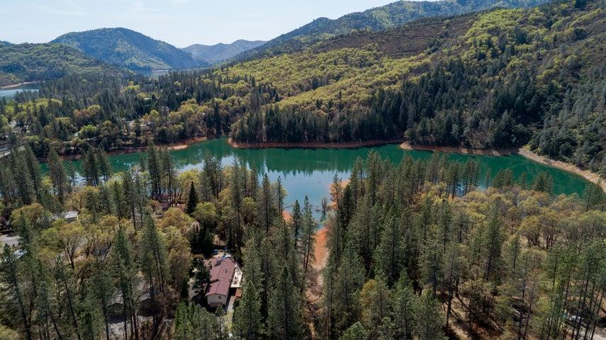 18082 Bonanza Dr, Lakehead, CA 96051