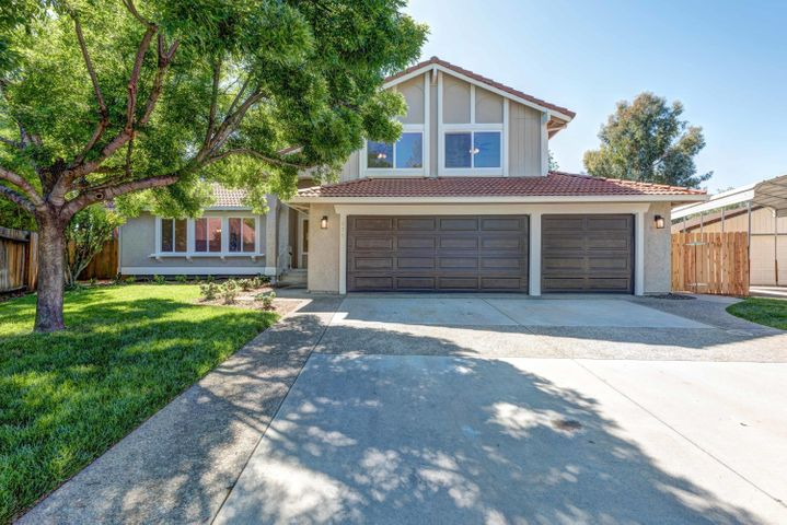 279 Onyx Ct, Redding, CA 96003