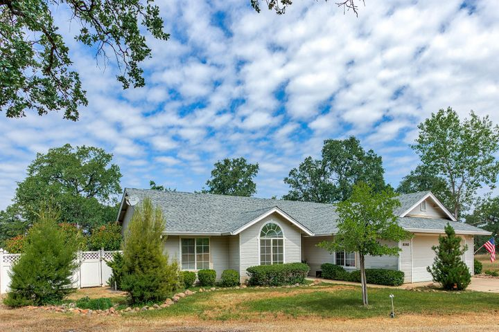 8048 Bass Pond Rd, Millville, CA 96062