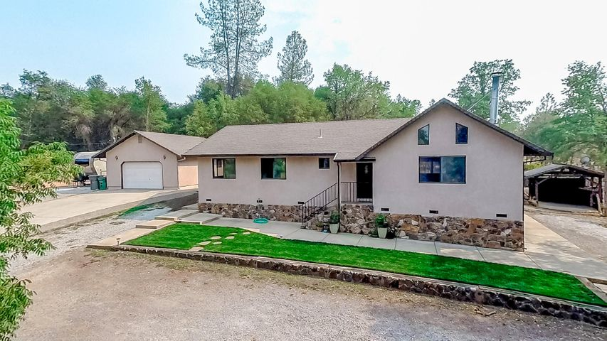 21245 Alice Ln, Redding, CA 96003