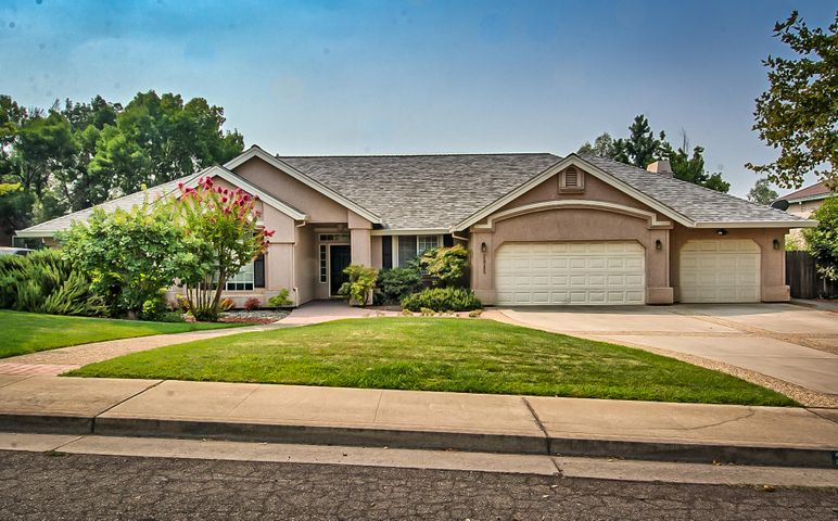 2945 Forest Hills Drive, Redding, CA 96002