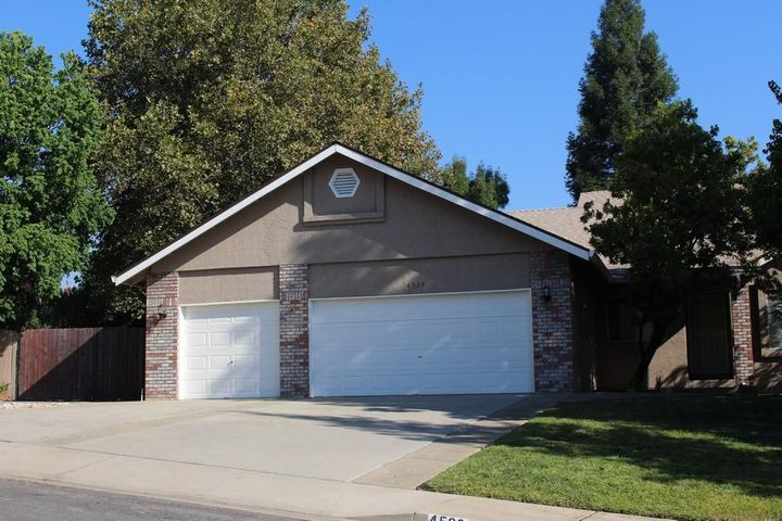 4539 Crimsonwood Dr, Redding, Ca 96001