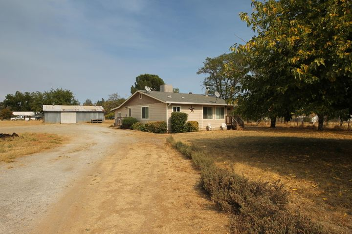 15400 Cloverdale Rd, Anderson, CA 96007