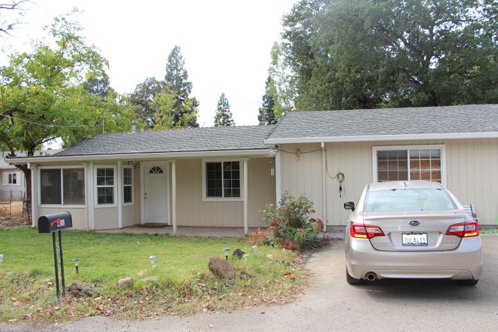 2916 Heather Ln, Redding, CA 96002
