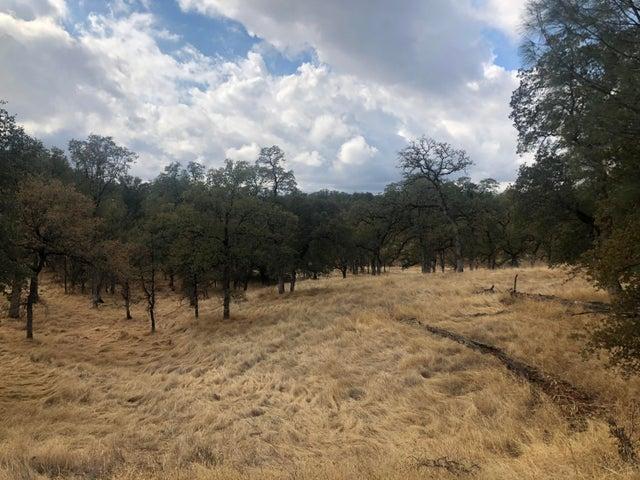 Valley Creek Ln, Redding, CA 96003
