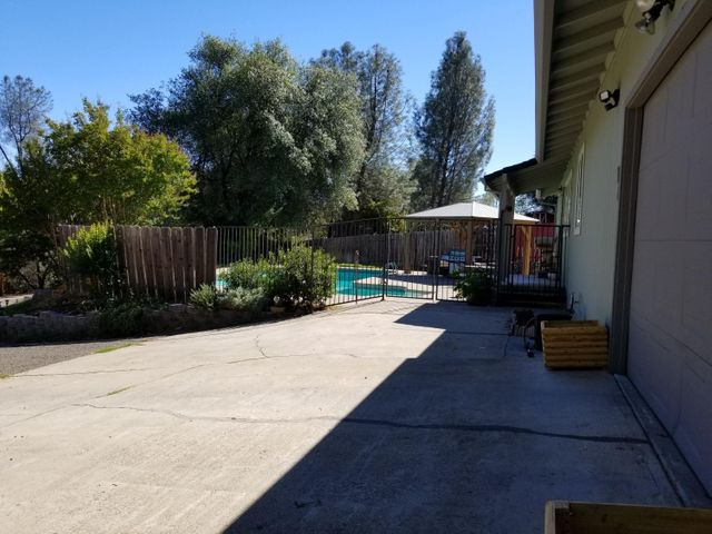 12648 Williamson Rd, Redding, CA 96003