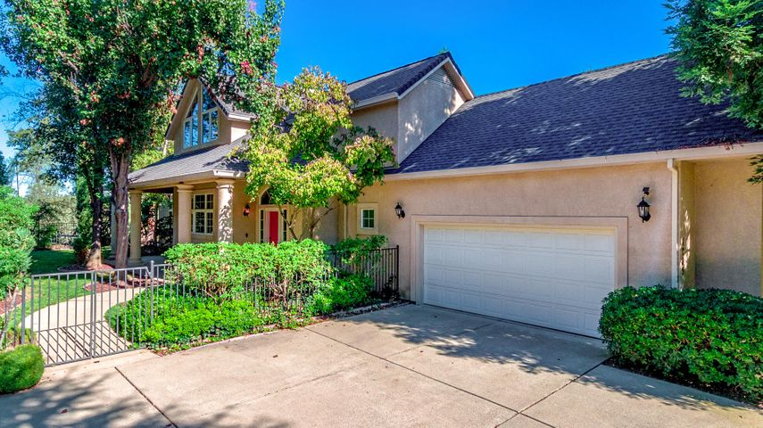 1765 Gold Hills Dr, Redding, CA 96003