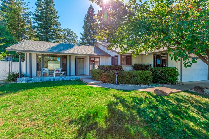 1683 Lakeside Dr, Redding, CA 96001
