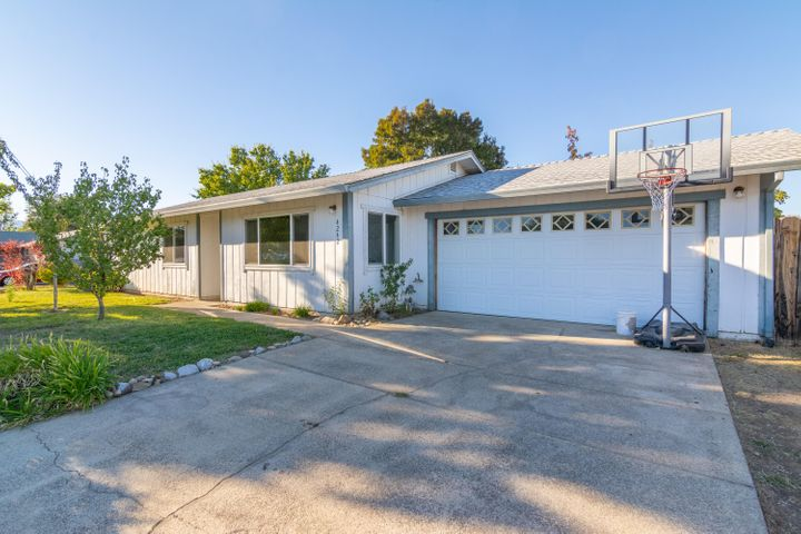 4242 Ormsby Way, Redding, CA 96003
