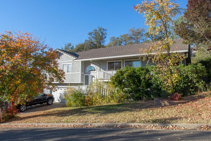 5588 Jan Ct, Redding, CA 96003
