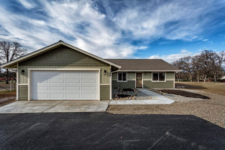 2584 Old Oregon Trail, Redding, CA 96002