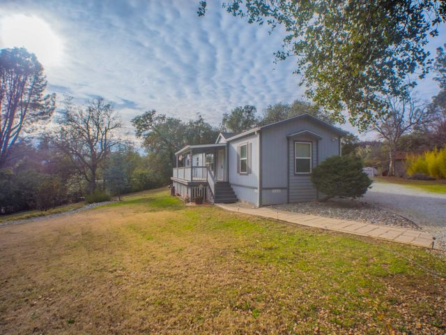 9522 Morning Glory Ln, Redding, CA 96001