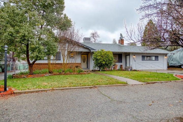 1712 Cascade Ln, Redding, CA 96002