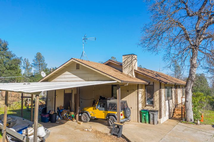 9005 Chaparral Dr, Redding, CA 96001