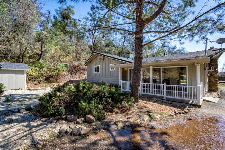 136 Quartz Hill Rd, Redding, CA 96003