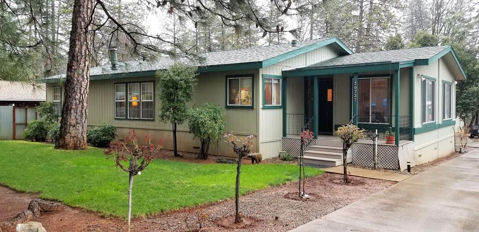 20737 Oak St, Lakehead, CA 96051