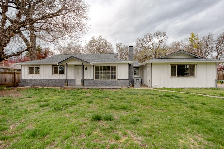 3154 Lakewood Dr, Redding, CA 96001
