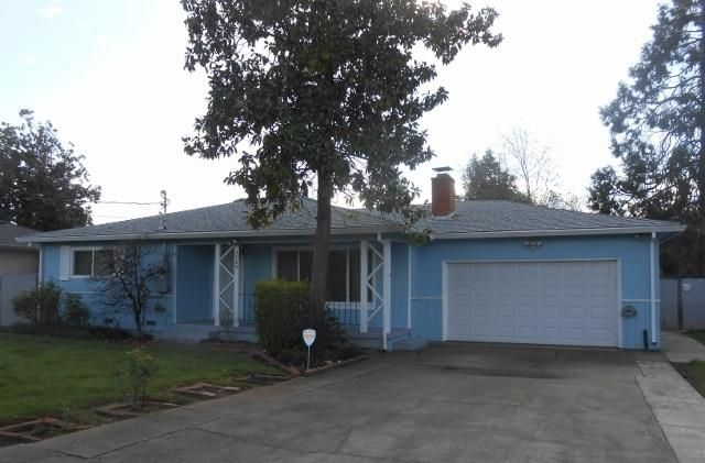 5780 E Bonnyview Rd, Redding, CA 96001