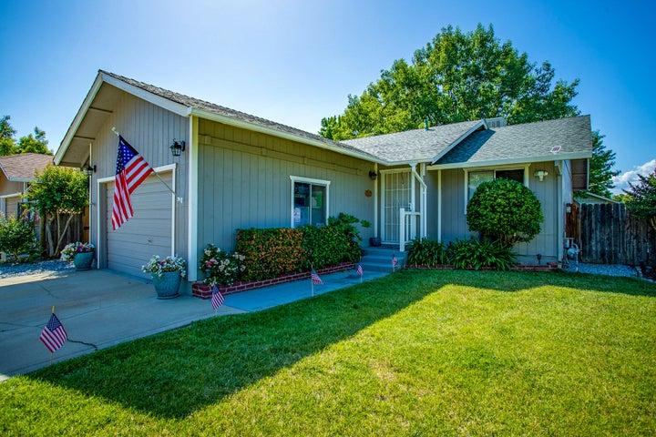 2870 Iris St, Anderson, CA 96007