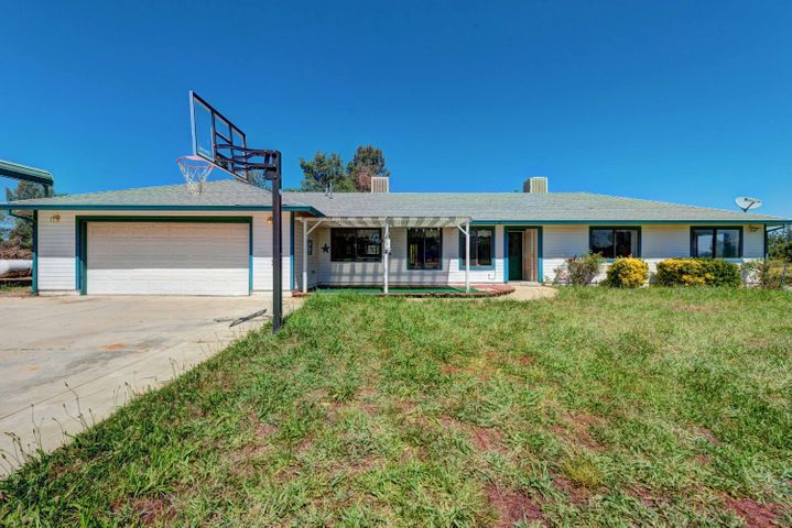 5826 Paul Lane, Anderson, CA 96007